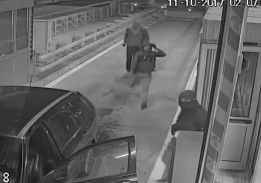 Assalti ai caselli autostradali, due in manette e 10 denunce